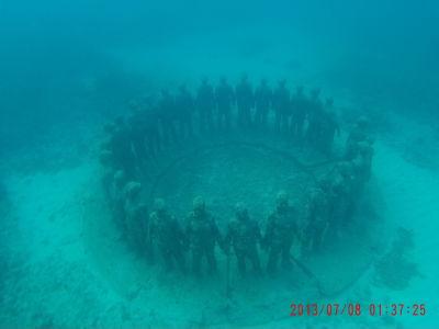 Podmorská socha Vicissitudes (zvraty osudu)