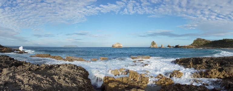 Príboj mora v Pointe des Châteaux, najvýchodnejšom výbežku Guadeloupe