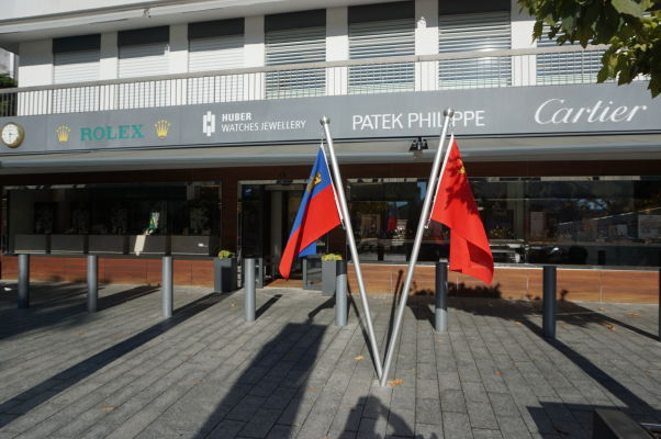 Ulica Städtle s luxusnými obchodmi vo Vaduze