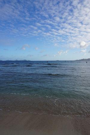 Priezračne čisté more v Nanny Cay