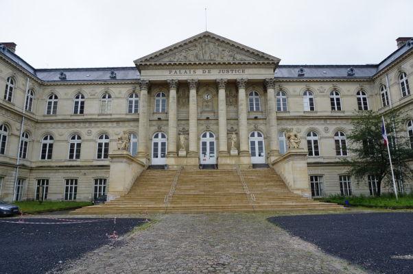 Súd, resp. Justičný palác (Palais de Justice) v Amiens - táto stavba nechýba v žiadnom francúzskom meste