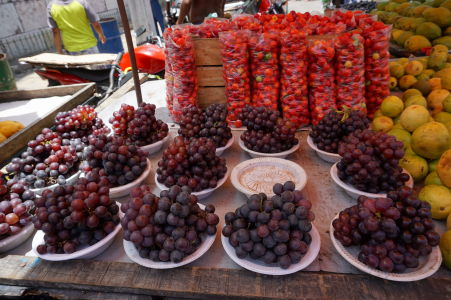 Čerstvé ovocie na tržnici v São José