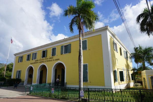 Budova hlavnej pošty v Charlotte Amalie na ostrove Svätý Tomáš
