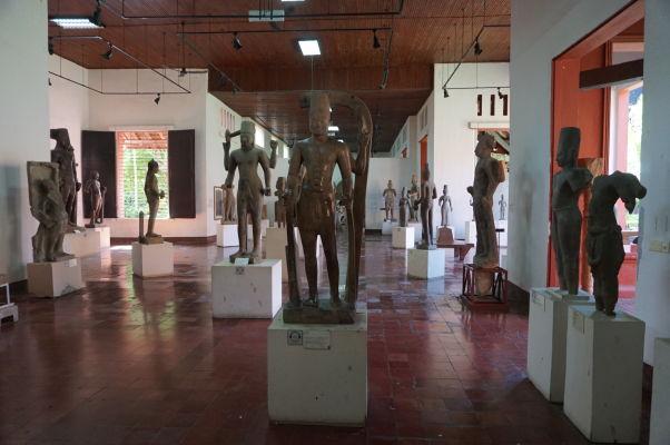 Sochy boha Višnu - Národné múzeum v Phnom Penhu