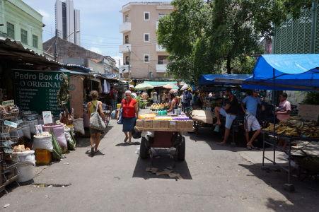 Tržnica v uliciach Recife