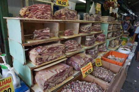 Ryby a mäso sa tu dajú kúpiť tiež