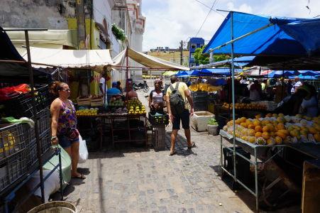 Ulice so stánkami v São José