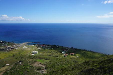 Výhľad z pevnosti na Karibské more