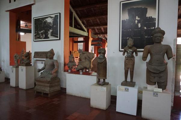 Sochy z Angkoru - Národné múzeum v Phnom Penhu