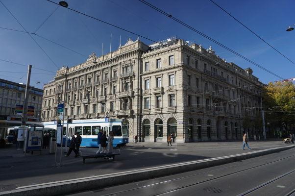 Banka Credit Suisse na ulici Bahnhofstrasse v Zürichu