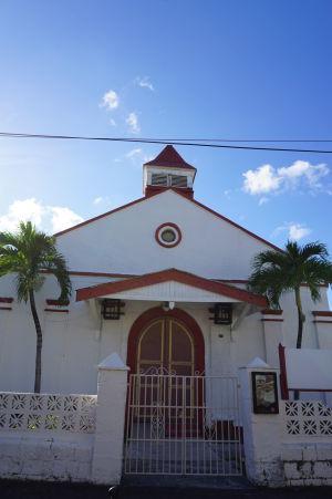 Uličky Marigotu - Typický karibský kostolík