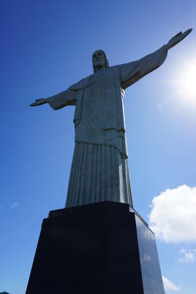 Socha Krista Vykupiteľa na vrchole hory Corcovado v Riu de Janeiro