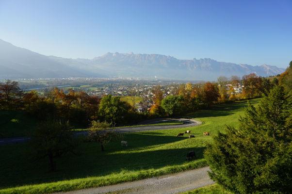 Výhľad na Lichtenštajnsko od hradu Vaduz