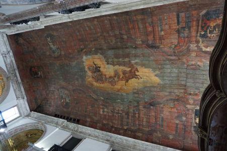 Historicky zdobený strop Karmelitánskej baziliky Matky Božej