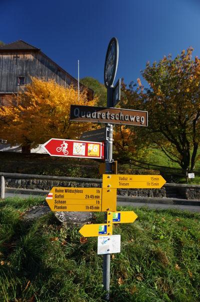 Rozcestník pri hrade Vaduz