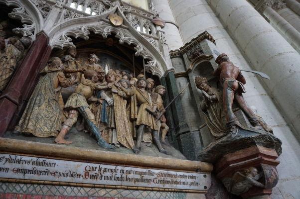 Jeden z reliéfov v Katedrále Matky Božej v Amiens, zobrazujúci výjav zo života sv. Fimina, legendárneho biskupa Amiens