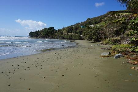 Goldsborough Bay - jedna z nespočetných pláží na juhu ostrova