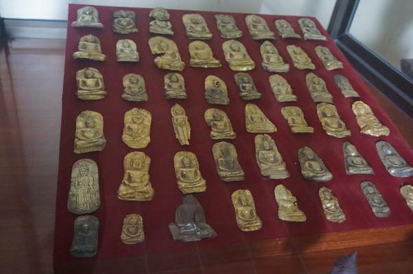 Kovové podobizne Budhu - Národné múzeum v Phnom Penhu