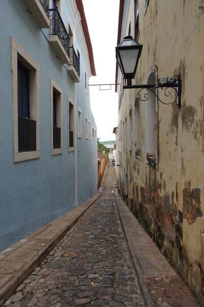 Niektoré uličky v historickom centre São Luís sú veľmi úzke