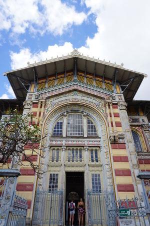 Schœlcherova knižnica, koloniálna budova s prímesou orientálnych vplyvov, jedna z najkrajších stavieb vo Fort-de-France