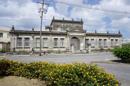 Historická budova knižnice na Barbadose