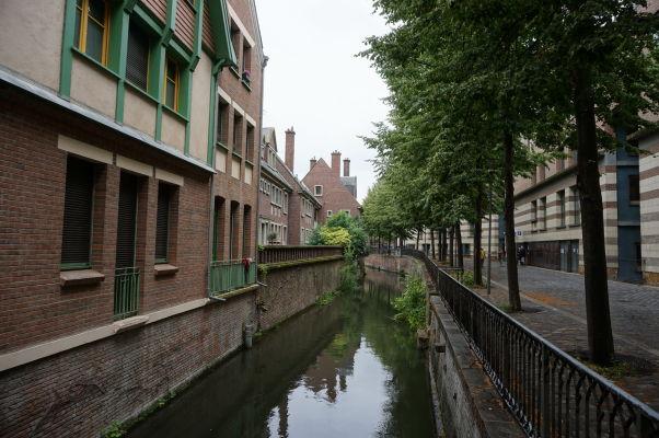 Kanál lemujúci ulicu Rue du Don v Amiens