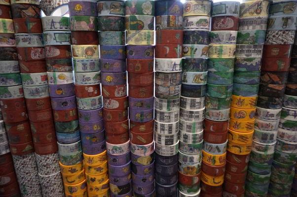V obchodíkoch na ulici Dihua v Tchaj-peji zoženiete všetko - dokonca je tu i obchod na lepiace pásky