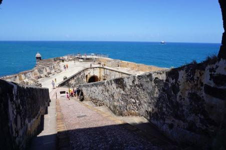 Pevnosť El Morro a modré vody Karibiku