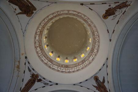 Kostol Sacré-Cœur neďaleko záhrad Balata, inšpirovaný najznámejšou parížskou bazilikou
