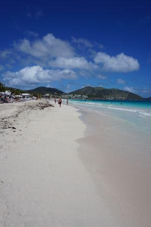Pláž Orient Beach - jedna z najkrajších pláží celého ostrova Svätý Martin