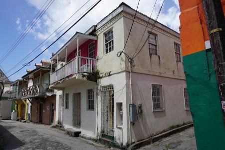 Balkóny sú povinnou súčasťou domov na Barbadose
