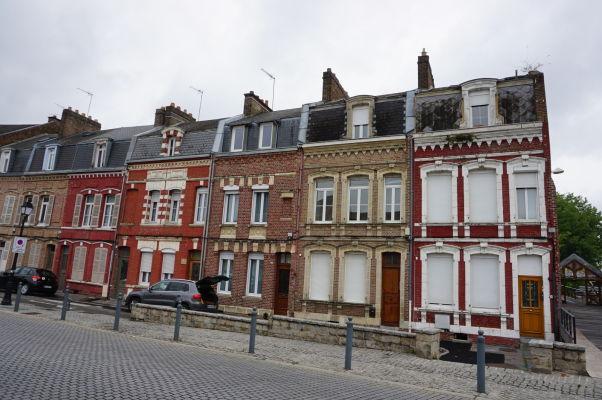 Malebná ulička Boulevard du Cange v Amiens