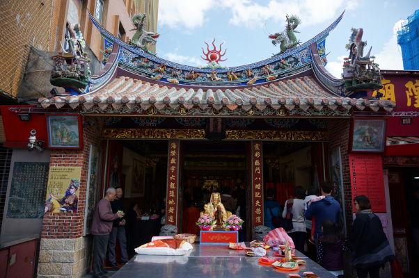 Chrám Xiahai (boha mesta) na ulici Dihua, jedno z najdôležitejších náboženských miest v Tchaj-peji
