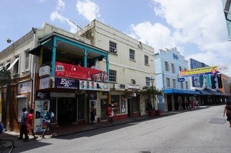 V uličkách Bridgetownu na Barbadose