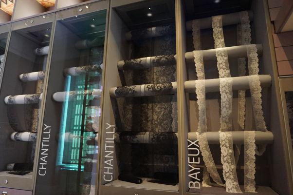 Vzory krajok z rôznych miest - Múzeum umenia a histórie baróna Gérarda (MAHB) v Bayeux