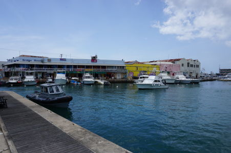 Prístav (marína) v centre mesta
