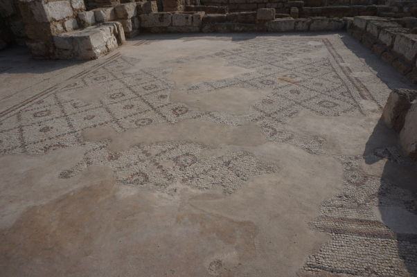 Jedna zo zachovaných mozaík v Caesarei