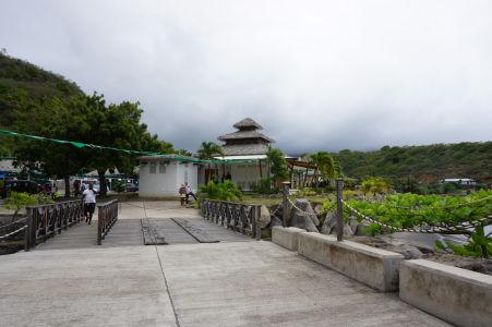 Hlavný vstupný bod na ostrov - Provizórny prístav v Little Bay