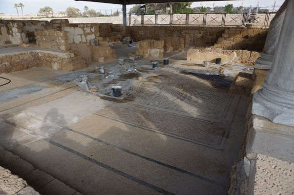 Jedna zo zachovaných mozaík v rímskej vile v Caesarei