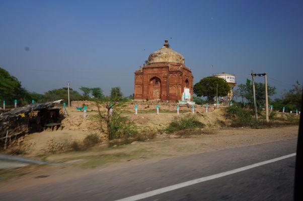 Hrobka Šejcha Musu neďaleko Fatehpur Sikri