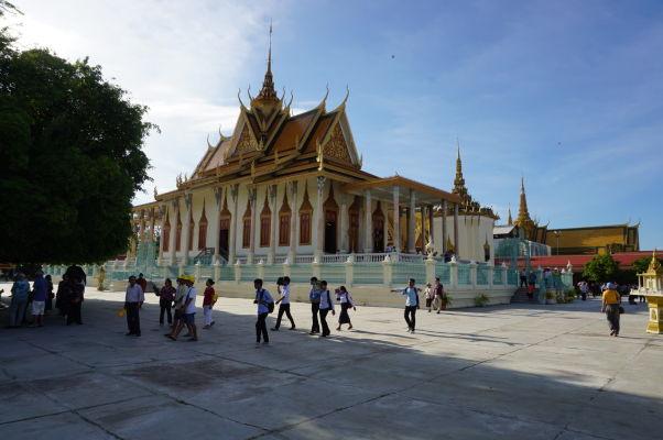 Wat Preah Keo - Chrám smaragdového Budhu alebo aj Strieborná pagoda - najnavštevovanejšia budova Kráľovského paláca v Phnom Penhu