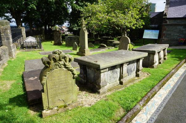 Cintorín pred Kostolom sv. Augustína v Londonderry