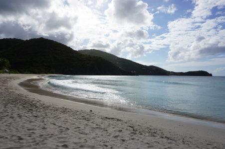 Pláž v zálive Josiah's Bay