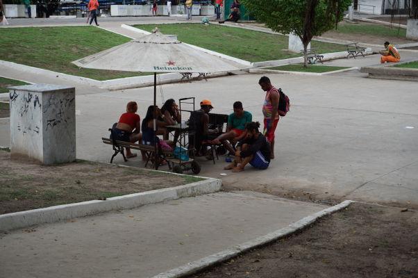 """Tetovací """"salón"""" na námesti Praça Deodoro v São Luís - tetovanie je rozšírené natoľko, že snáď všetci Brazílci sú potetovaní"""