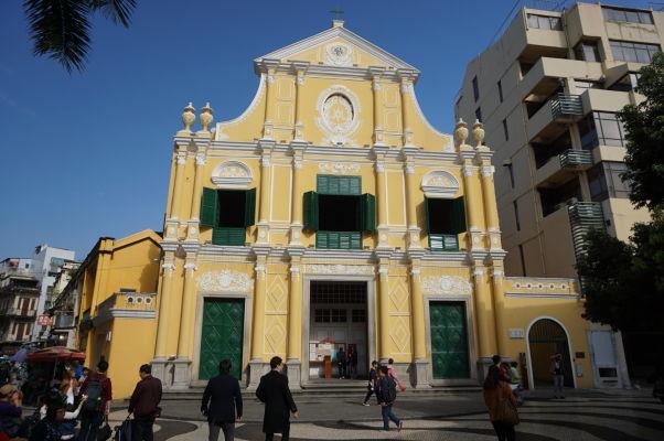 Barokový Kostol sv. Dominika (Igreja de São Domingos) v historickom centre Macaa