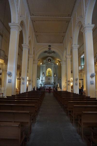 Barokový Kostol sv. Dominika (Igreja de São Domingos) v historickom centre Macaa - hlavná loď