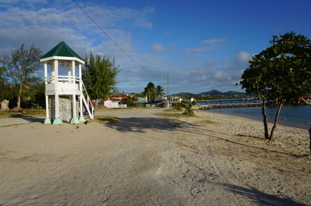 Záliv Rodney Bay a pláž Pigeon Island Beach