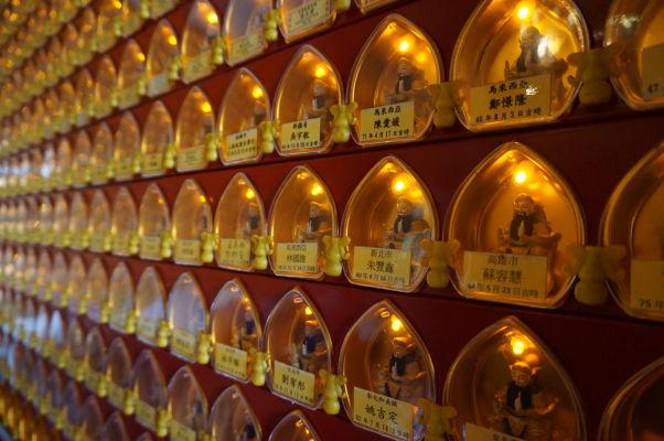 Chrám Shouzhen v Ališane - 10-tisíc svetielkujúcich Budhov