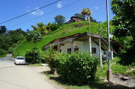 Domy sa v Karibiku musia stavať v ťažkom teréne