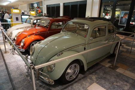 Výstava automobilov v obchodnom dobe Las Plazas Américas
